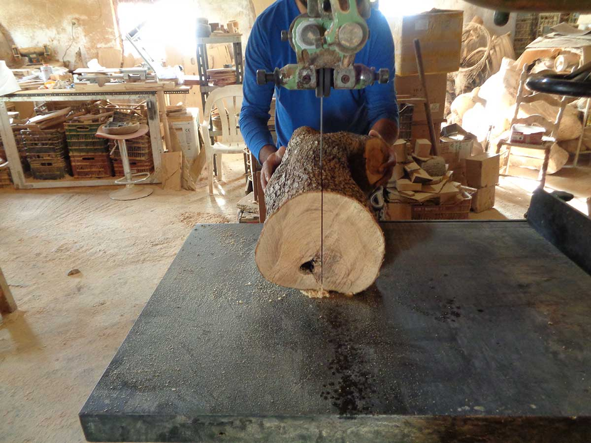 Spirit-of-olive-wood--our-workshop